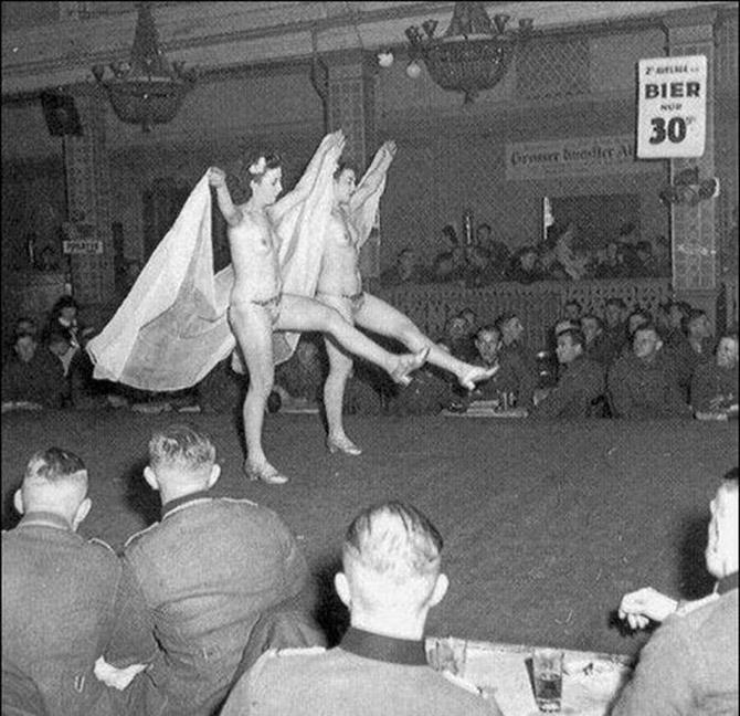 голые женщины рейха фото