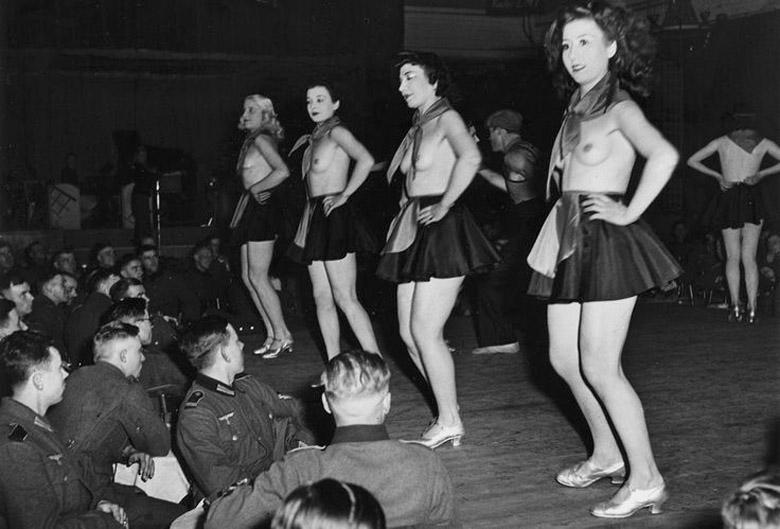 2 мировой войны фото проститутки й