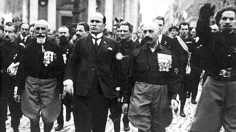 a history of mussolinis fascist empire in italy Following the war, in which he served as a rifleman, mussolini decided his destiny was to rule italy as a modern caesar and re-create the roman empire he forged the paramilitary fascist movement in 1919-1921, using it to march on rome, become prime minister, and then to seize dictatorial power (1925-1926).